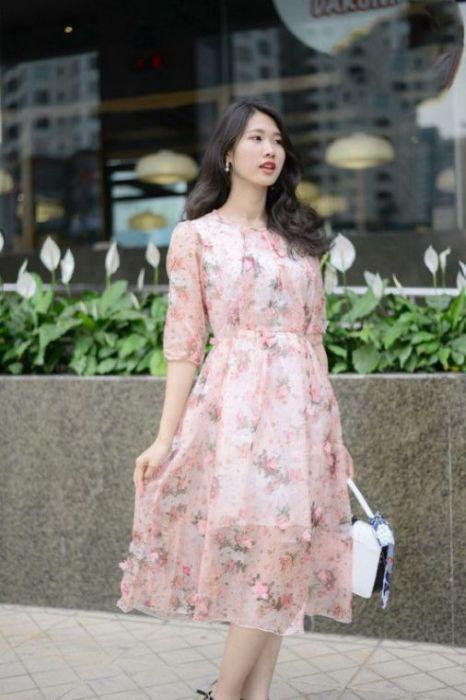 Tín đồ thời trang với kiểu dáng váy đầm voan