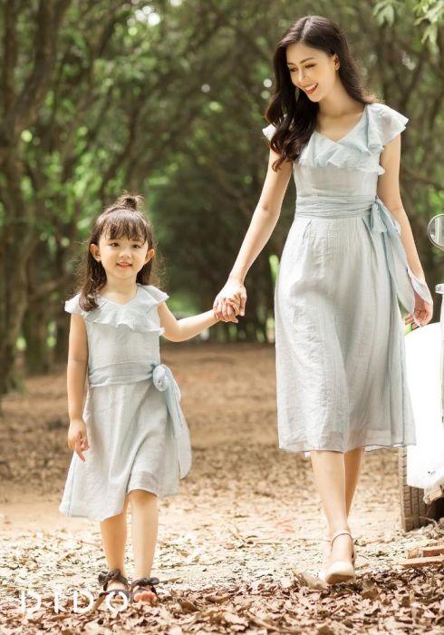 Vài tips diện váy xinh cho mẹ và bé