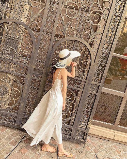 Mẫu váy không chỉ đẹp mà còn đơn giản, gọn gàng dễ mặc