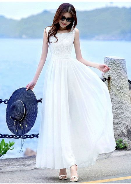 Thời trang đánh tan thời tiết với đầm maxi trắng