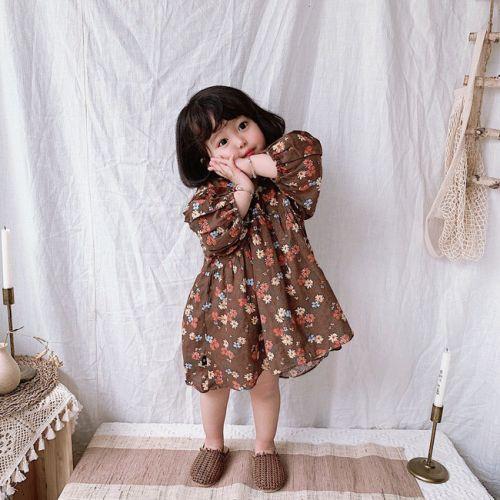 Những mẫu đầm xinh nên có trong tủ đồ cho bé gái